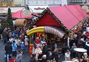 Christmas-market-stall-in-prague