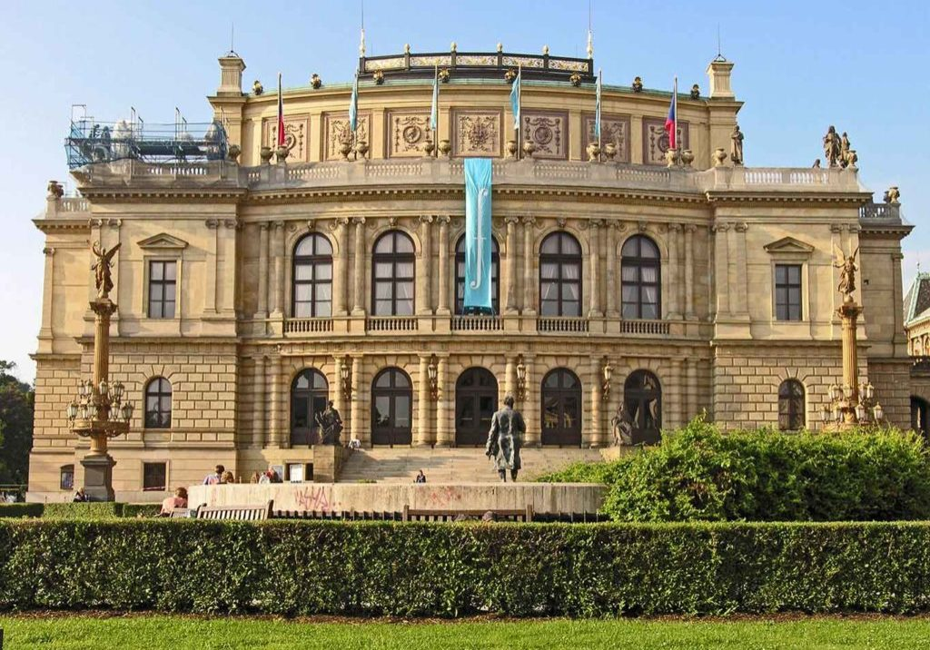 rudolfinum-building-prague