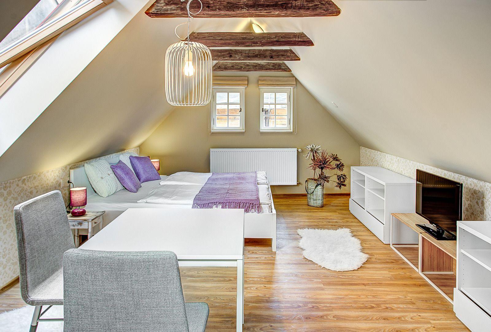 abc suites dachgeschoss studio loft studio prague. Black Bedroom Furniture Sets. Home Design Ideas